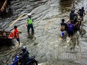 140129-banjir-jakarta-01